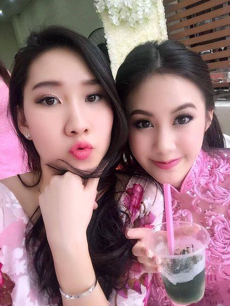 9X Lao goc Viet noi tieng xinh dep, thanh thao 4 ngon ngu - Anh 3