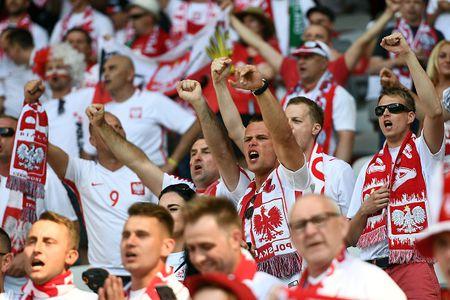 Ba Lan vs Bac Ireland (0-0, H1): Lewandowski xuat kich - Anh 11