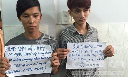 Bat giu 41 doi tuong to chuc dua xe trai phep tren cau Can Tho - Anh 1
