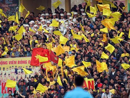 CDV Thanh Hoa to bi BTC san Hang Day 'choi xau' - Anh 2