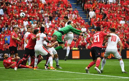 Thuy Sy thang nhe Albania trong tran mo man EURO 2016 - Anh 1