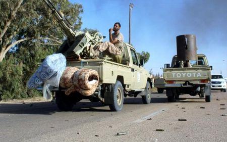 Quan doi Libya tien vao Sirte sau tran giao tranh ac liet voi IS - Anh 2