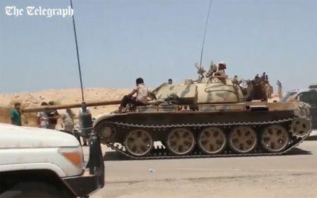 Quan doi Libya tien vao Sirte sau tran giao tranh ac liet voi IS - Anh 4