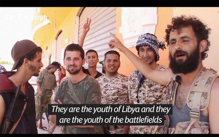 Quan doi Libya tien vao Sirte sau tran giao tranh ac liet voi IS - Anh 8