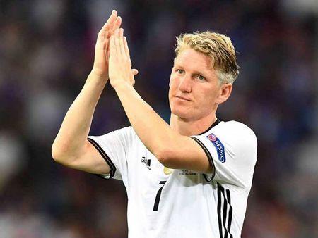 Bastian Schweinsteiger gui tam thu sau that bai cua tuyen Duc - Anh 1