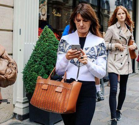 Ao khoac - Vat bat ly than cua tin do o Paris Fashion Week - Anh 10