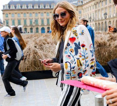 Ao khoac - Vat bat ly than cua tin do o Paris Fashion Week - Anh 8