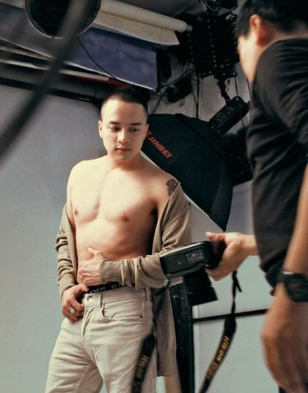 Cao Thai Son tung hinh 'nong' sau lenh cam anh nude do bo - Anh 10