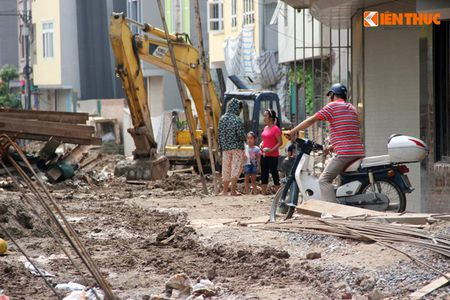 Can canh ngon ngang cua du an thoat nuoc lam kho dan Ha Noi - Anh 13
