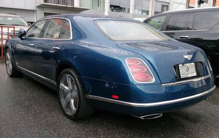 "Cap doi ""hang doc"" Bentley Mulsanne Speed ve Ha Noi - Anh 13"