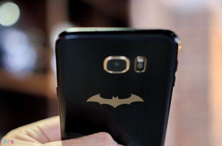 Anh tuyet dep cua Galaxy S7 edge ban Batman gia 25 trieu - Anh 15