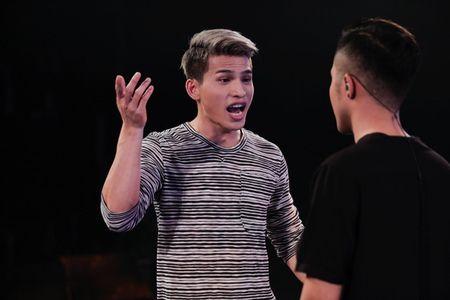 """Vietnam Idol: """"Chang trai bun bo"""" gay an tuong voi ca si Quoc Thien - Anh 11"""