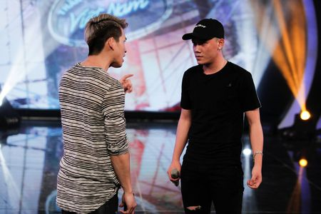 """Vietnam Idol: """"Chang trai bun bo"""" gay an tuong voi ca si Quoc Thien - Anh 1"""