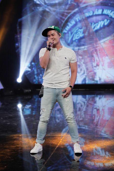 """Vietnam Idol: """"Chang trai bun bo"""" gay an tuong voi ca si Quoc Thien - Anh 4"""