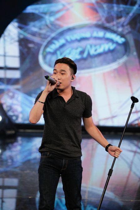 """Vietnam Idol: """"Chang trai bun bo"""" gay an tuong voi ca si Quoc Thien - Anh 6"""