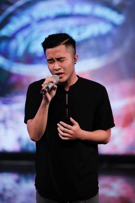 """Vietnam Idol: """"Chang trai bun bo"""" gay an tuong voi ca si Quoc Thien - Anh 7"""