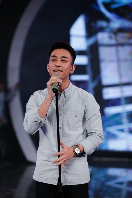 """Vietnam Idol: """"Chang trai bun bo"""" gay an tuong voi ca si Quoc Thien - Anh 9"""