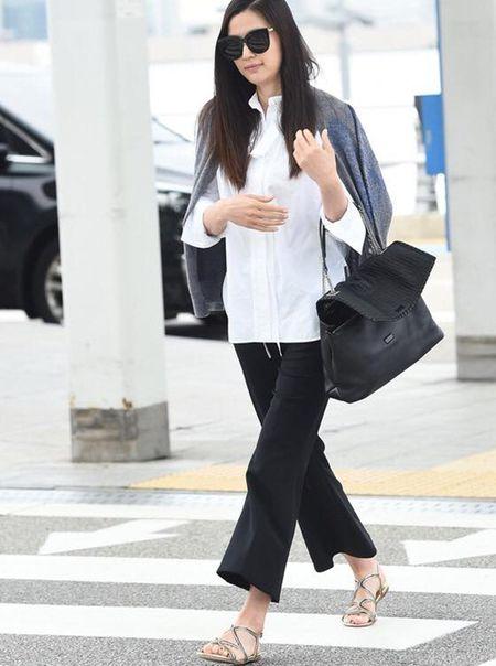 Kpop style 8/7: IU cute voi toc mai thua, Tae Yang lo chan ngan - Anh 3