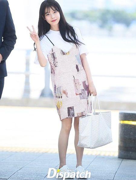 Kpop style 8/7: IU cute voi toc mai thua, Tae Yang lo chan ngan - Anh 5