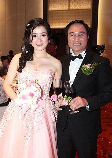 Miss Teen Xuan Mai va dam cuoi kin tieng cung chong dai gia - Anh 5