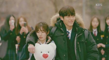 """Yeu khong kiem soat"" tap 2: Suzy ""dung hinh"" vi duoc trai deu to tinh - Anh 2"