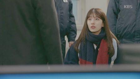 """Yeu khong kiem soat"" tap 2: Suzy ""dung hinh"" vi duoc trai deu to tinh - Anh 6"