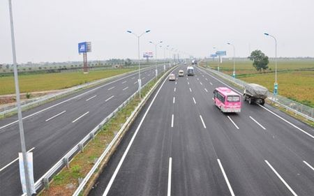 Viet Nam dat 2.000 km cao toc Bac - Nam trong 4 nam toi - Anh 1