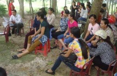 """Chu tich tinh Thanh Hoa gui cong van hoa toc sau vu hang tram giao vien """"ra duong"""" - Anh 1"""