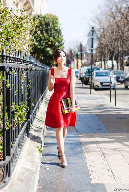 Phong cach an tuong cua fashionista Viet tren dat Phap - Anh 3