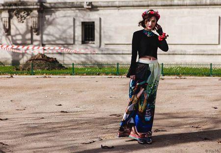 Phong cach an tuong cua fashionista Viet tren dat Phap - Anh 6