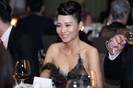 Thu Minh quy phai nhu cong nuong trong thiet ke la mat - Anh 2