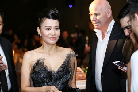 Thu Minh quy phai nhu cong nuong trong thiet ke la mat - Anh 4