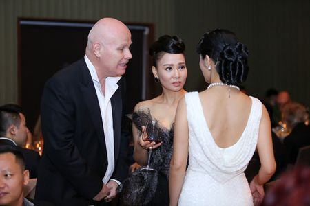 Thu Minh quy phai nhu cong nuong trong thiet ke la mat - Anh 7