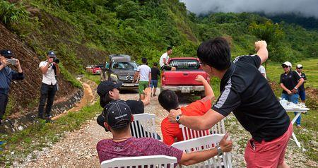 Mercedes-Benz SUVenture: Hanh trinh bi an (ngay 2) - Anh 5