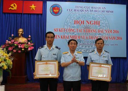 Hai quan TP.HCM: Thu ngan sach Nha nuoc 48.397 ty dong, dat 47,22% - Anh 2