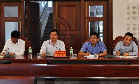 Thu truong Nguyen Ngoc Dong kiem tra DA duong HCM, doan tuyen tranh Pleiku - Anh 1
