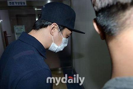 Scandal tinh duc chan dong Han Quoc: ADN tren tang vat trung khop voi Yoochun - Anh 2