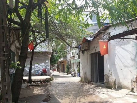 Ha Noi: Truy na doi tuong giet nam sinh 16 tuoi vi mau thuan tren mang xa hoi - Anh 1