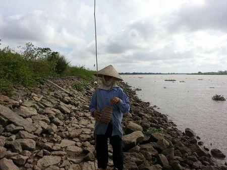 Ninh Binh: Moi ngay kiem vai tram ngan nho can cau khong luoi - Anh 6