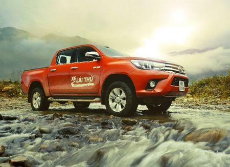 Nua nam, Toyota ban gan 25.000 xe o Viet Nam - Anh 1