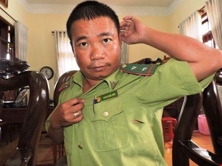 Pha rung con dung dao chem kiem lam de tau thoat - Anh 3