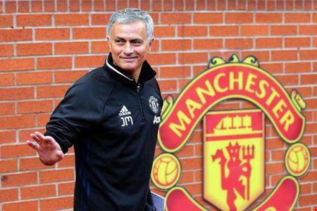 Cuu HLV B. Binh Duong lam 'pho tuong' cho Mourinho tai M.U - Anh 1