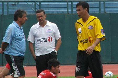 Cuu HLV B. Binh Duong lam 'pho tuong' cho Mourinho tai M.U - Anh 2