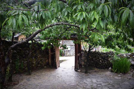 Cao nguyen da Dong Van hut hon trong mat du khach phuong Nam - Anh 10