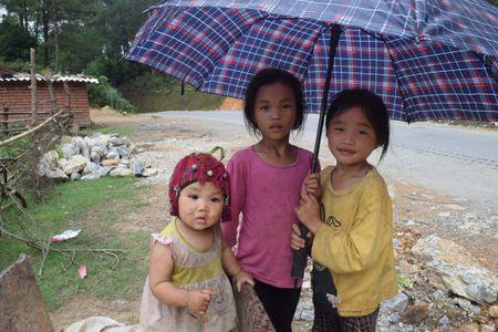 Cao nguyen da Dong Van hut hon trong mat du khach phuong Nam - Anh 7