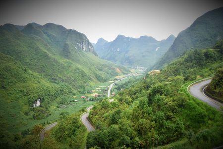 Cao nguyen da Dong Van hut hon trong mat du khach phuong Nam - Anh 9