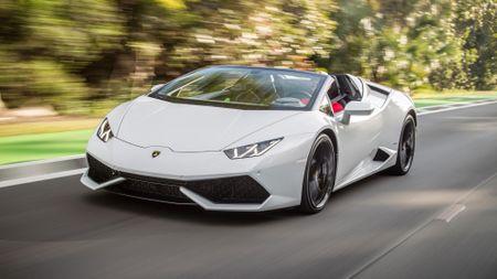Lamborghini lap ky luc ban hon 2.000 sieu xe nua dau 2016 - Anh 1