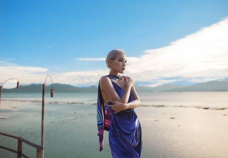 Thi sinh doi Pham Huong quyen ru duoi hoang hon - Anh 2