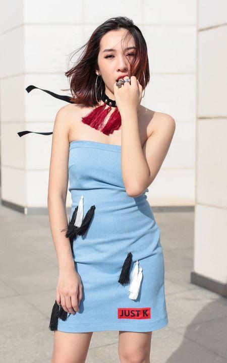 Emily ca tinh, Hanh Sino quyen ru tren duong pho Sai thanh - Anh 1