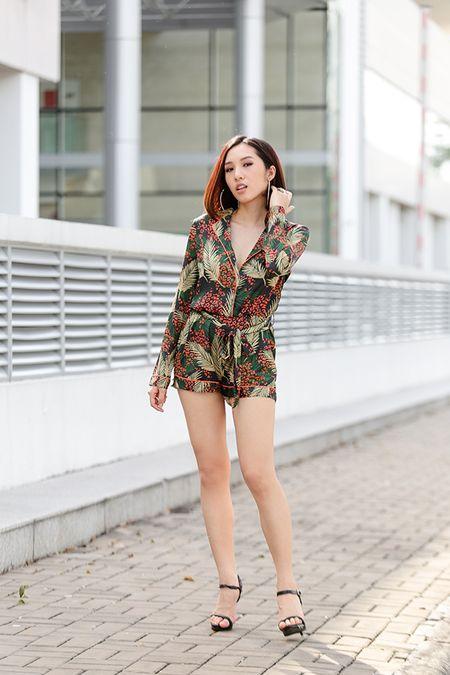 Emily ca tinh, Hanh Sino quyen ru tren duong pho Sai thanh - Anh 5